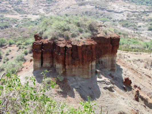 Oldupai_Gorge_monolith